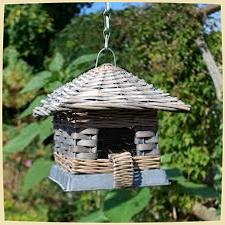плетеная кормушка для птиц