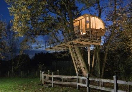 детский домик для игры на дереве